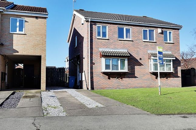 Thumbnail Semi-detached house for sale in Broadley Close, Hull