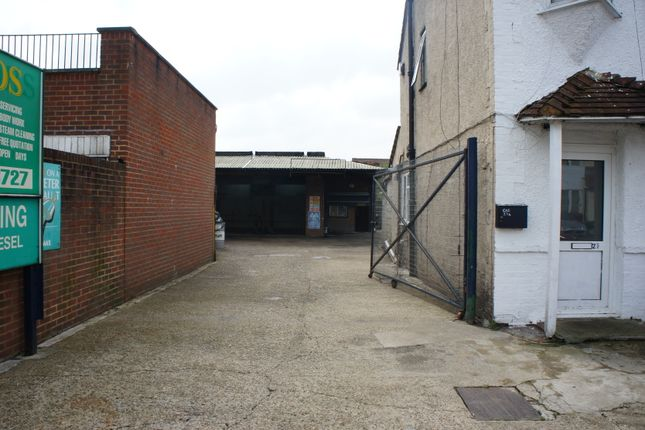 Thumbnail Parking/garage to let in 27A Whitby Road, Slough