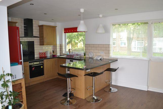 Thumbnail Flat to rent in Woodpecker Mount, Pixton Way, Croydon