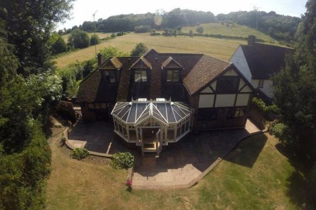 Thumbnail Property for sale in Outwood Lane, Chipstead, Coulsdon