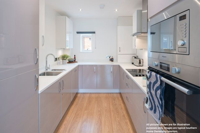 2 bed bungalow for sale in Pippin Close, New Romey