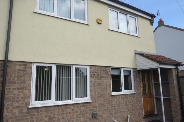 2 bed detached house to rent in George Street, Brandon IP27