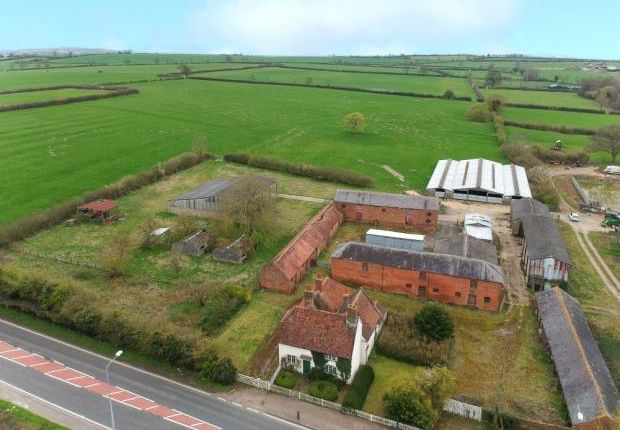Thumbnail Property for sale in Watling Street, Hockliffe, Leighton Buzzard