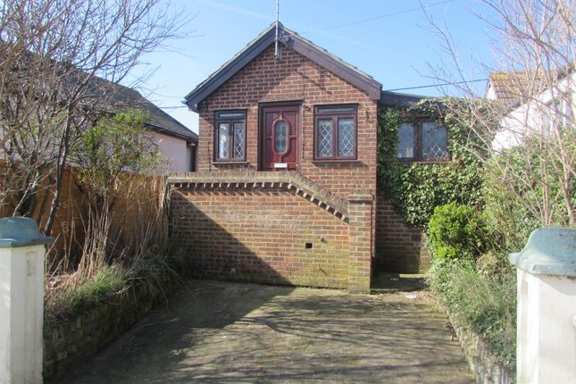 Thumbnail Detached bungalow to rent in Causeway Reach, Raycliff Avenue, Clacton-On-Sea