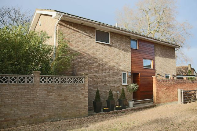 Thumbnail Detached house for sale in Hawes Lane, West Wickham