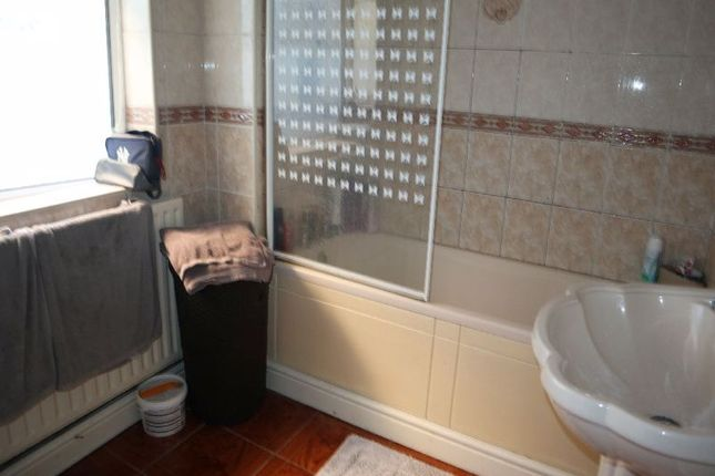 Bathroom of Goldenhill Road, Fenton, Stoke-On-Trent, Staffordshire ST4
