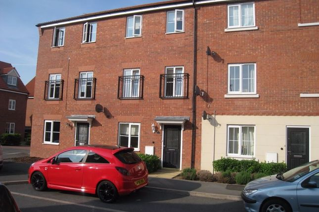 Thumbnail Town house for sale in Fretter Close, Broughton Astley, Leicester