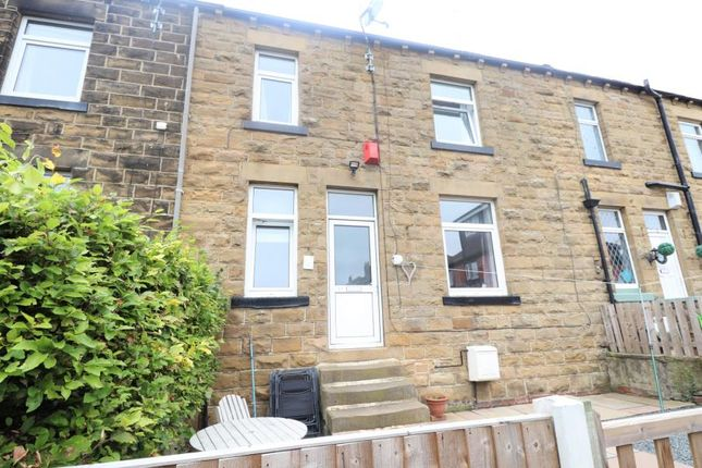 2 bed terraced house to rent in Finkle Lane, Morley LS27