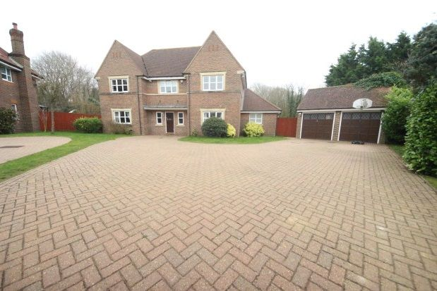 Thumbnail Property to rent in Heathside Place, Epsom