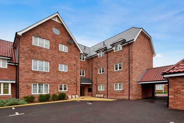 Thumbnail Flat for sale in Henderson Way, Witham