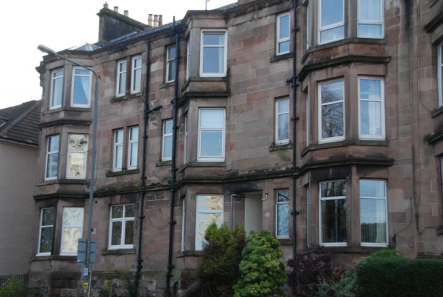 Thumbnail Flat to rent in Cardwell Road, Gourock Unfurnished