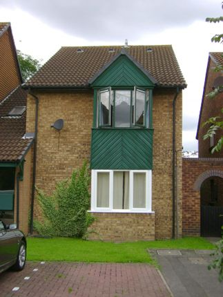 Studio for sale in Helmsdale Close, Hayes/Yeading, Middlesex, 9Qs. UB4