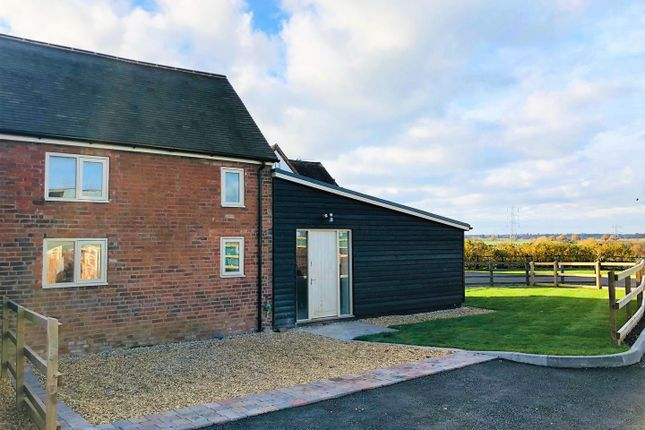 Thumbnail Barn conversion for sale in Fernhill Lane, Balsall Common, Coventry