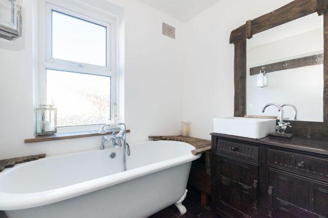 Bathroom of Street Lane, Leeds LS8
