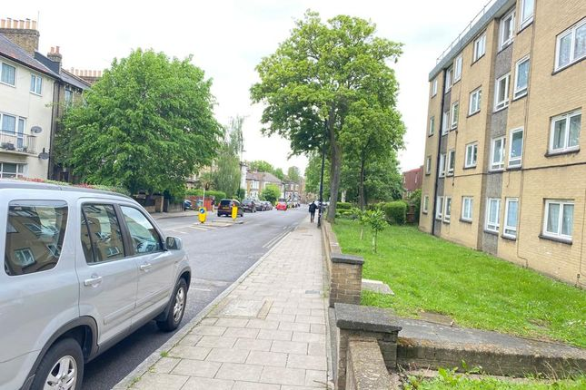 1 bed flat to rent in Lausanne Road, Packham SE15