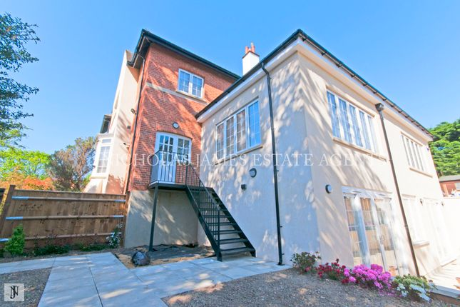 Thumbnail Flat to rent in Willenhall Lodge, Barnet