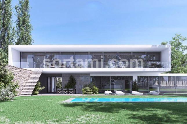 Thumbnail Detached house for sale in Lagos, Odiáxere, Lagos