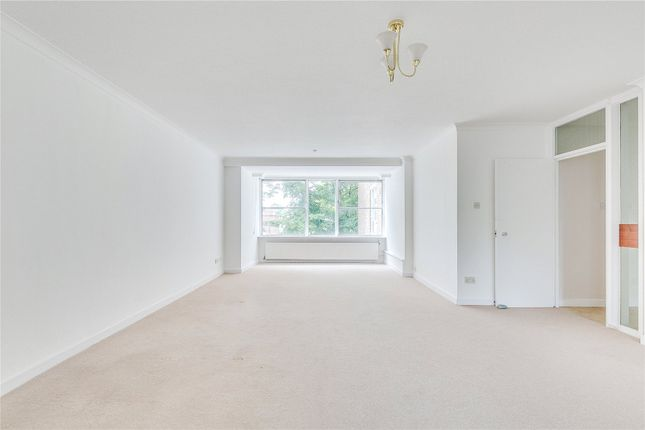 3 bed flat to rent in Darwin Court, Gloucester Avenue, London NW1