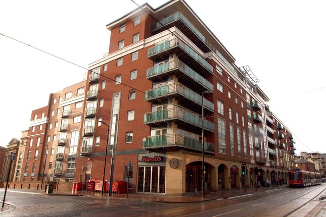 Flat to rent in Royal Plaza, Westfield Terrace, Sheffield