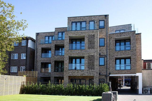 Thumbnail Flat for sale in Golders Green Road, London
