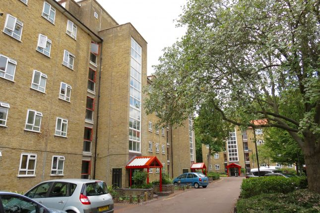 Thumbnail Flat for sale in Esher Gardens, London