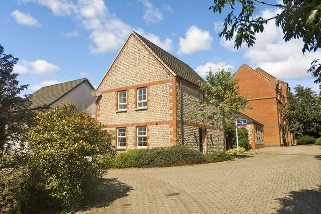 4 bed detached house to rent in Lady Wallace Walk, Lisburn BT28