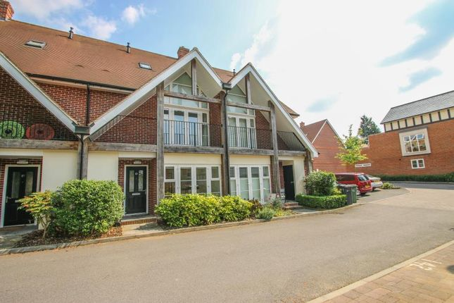 Thumbnail Semi-detached house to rent in Uplands Road, Guildford