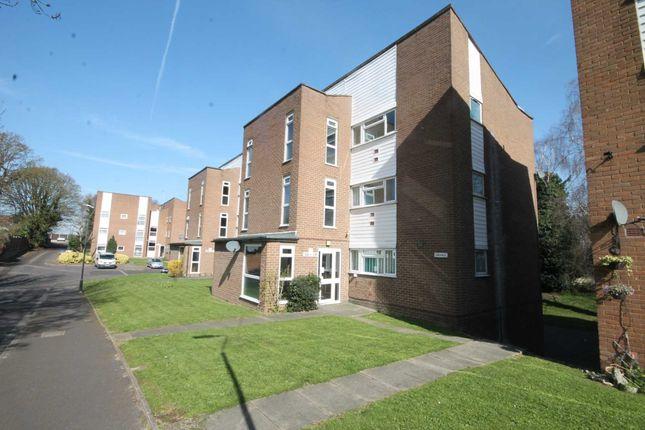 Thumbnail Flat to rent in Kempton Close, Erith