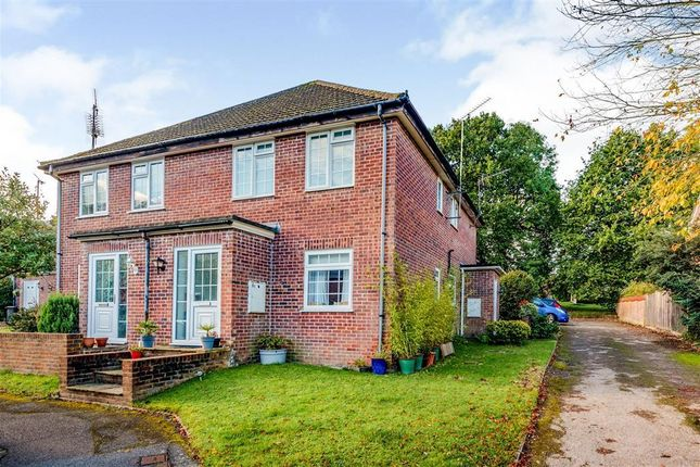 Thumbnail Maisonette to rent in The Dell, East Grinstead