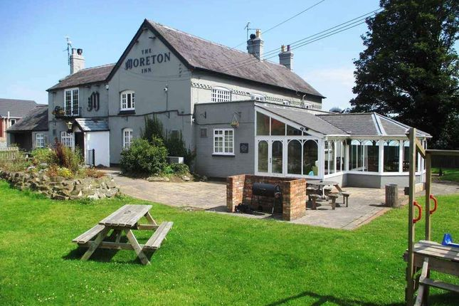 Thumbnail Pub/bar for sale in Ruabon Road, Ruabon, Wrexham