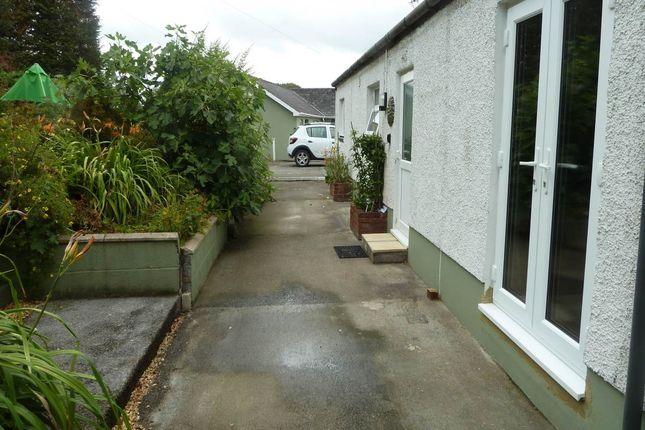 Thumbnail Bungalow to rent in Nantgaredig, Carmarthen