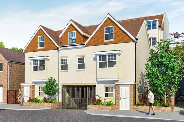 Thumbnail Flat for sale in Lower Road, Kenley