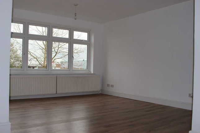 Thumbnail Flat to rent in Diban Avenue, Hornchurch, Essex