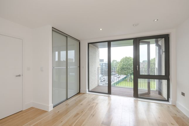 Thumbnail Flat to rent in Faraday Road, London