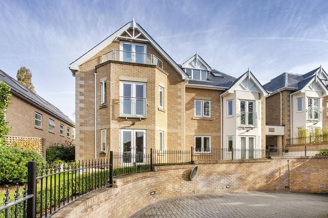 Thumbnail Flat for sale in Slades Hill, Enfield