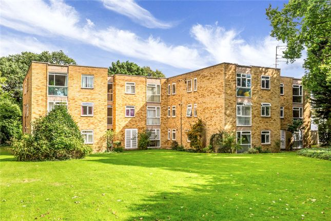 Thumbnail Flat for sale in The Oaks, 8 Bycullah Road, Enfield