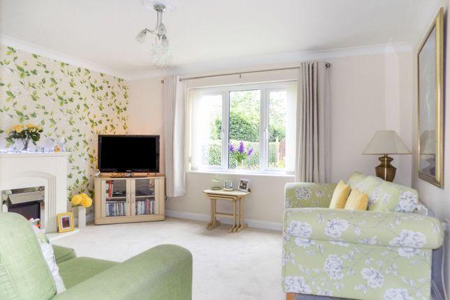 2 bed property for sale in Alexandra Road, Heathfield TN21