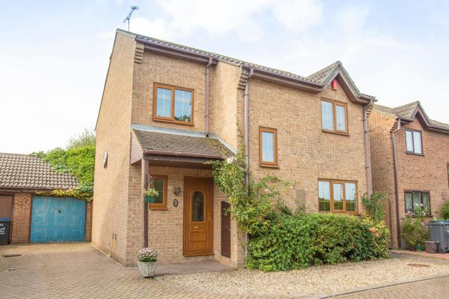Thumbnail Detached house to rent in Bromstone Road, Broadstairs