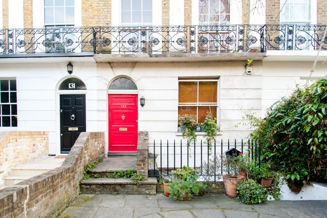 Entrance  of Lisson Grove, Marylebone, Central London NW1