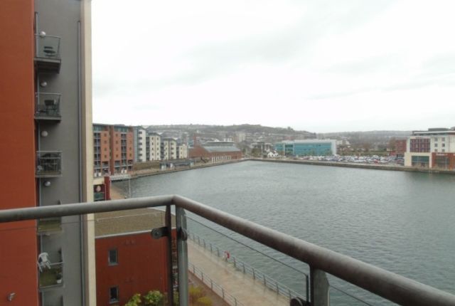 2 bed flat to rent in South Quay, Kings Road, Swansea
