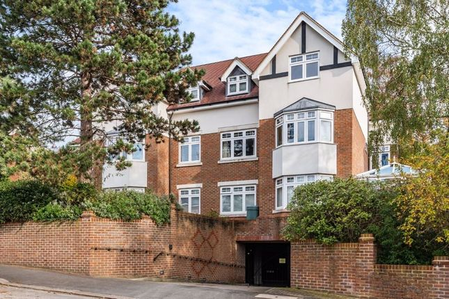 2 bed flat for sale in The Close, Russell Hill, Purley CR8
