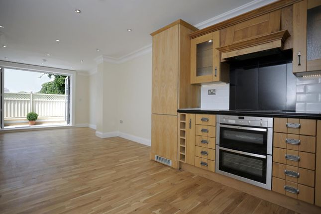 Thumbnail Cottage to rent in Wilbury Villas, Hove