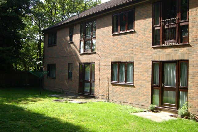 Thumbnail Flat to rent in Sundon Road, Houghton Regis, Dunstable