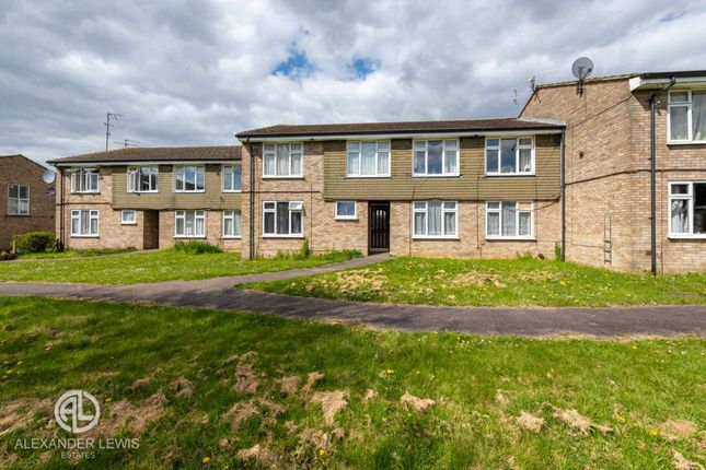 1 bed flat for sale in Pyms Close, Letchworth Garden City SG6