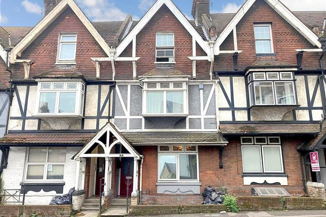 4 bed flat for sale in London Road, Strood, Rochester, Kent ME2