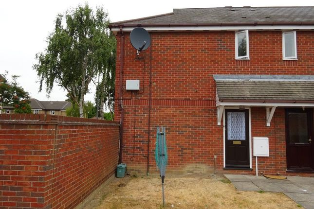 Flat to rent in Chinook, Highwoods, Colchester