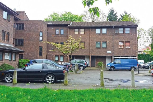 1 bed flat to rent in Alan Preece Court, Brondesbury Park NW6