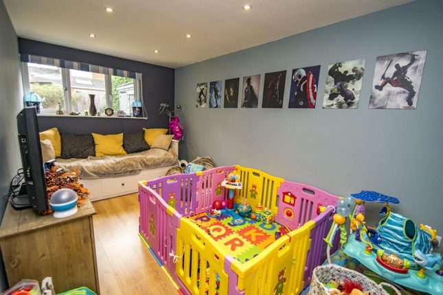 Family Room of Hagbourne Close, Woodcote, Reading RG8