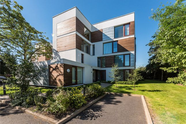 Thumbnail Flat for sale in Rivermead Close, Teddington