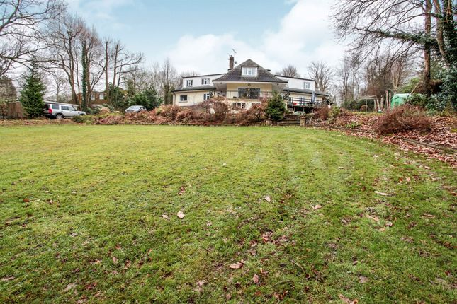 Thumbnail Detached house for sale in Herons Close, Copthorne, Crawley
